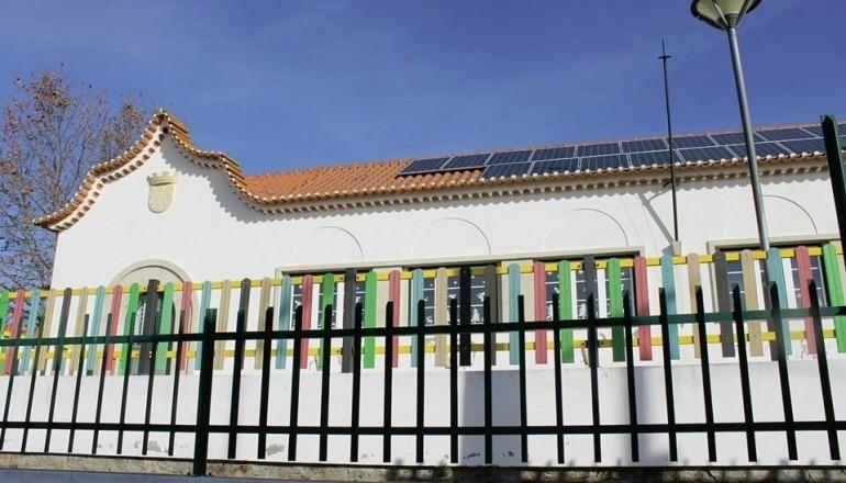 escola paineis fotovoltaicos