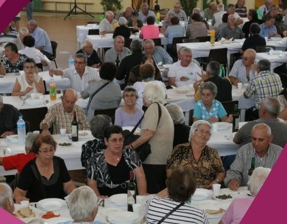 almoço de idosos em Vidigueira
