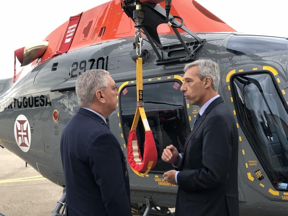 Ministro da Defesa - helicópteros