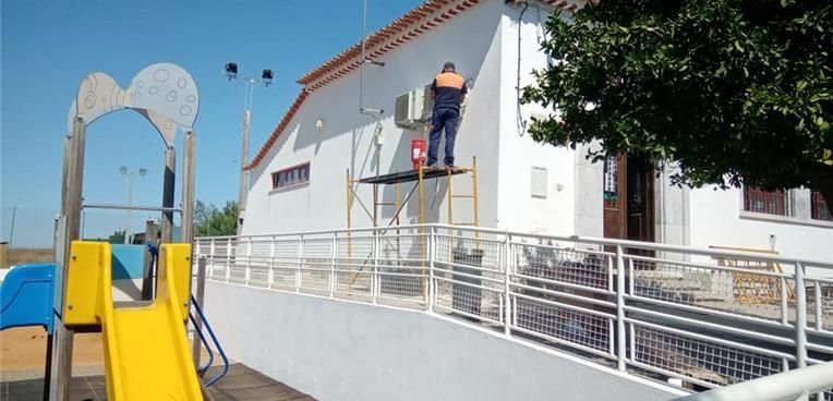 Instalação de AC nas escolas do concelho