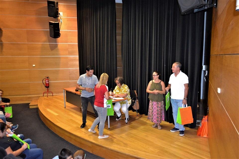 Cuba apoia alunos 1ºciclo