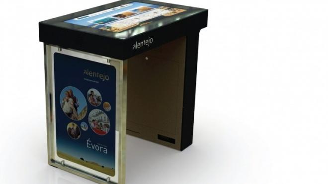 ERT instala mesas interactivas
