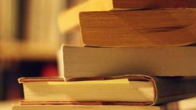 Livros em Aljustrel e teatro e comédia em Odemira