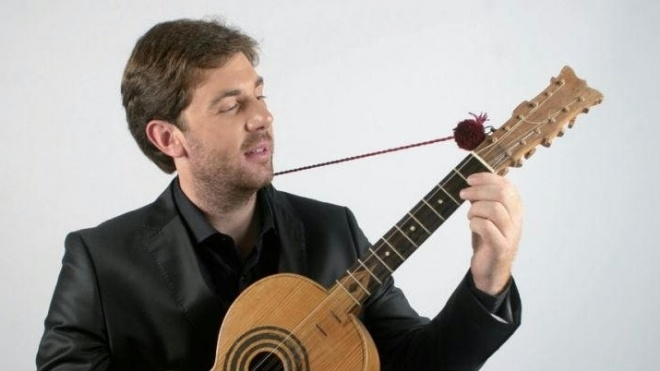 "Pedro Mestre apresenta ""Campaniça do despique"""