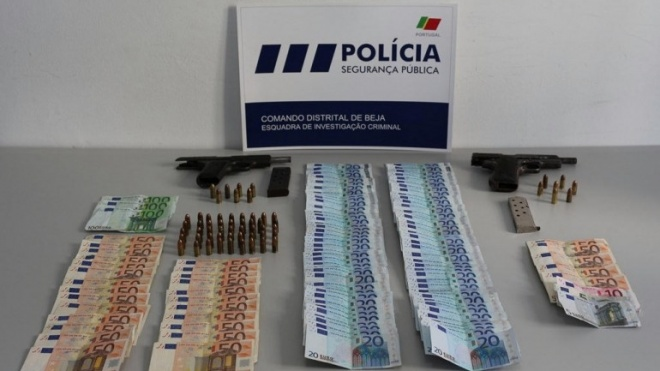Detidos por posse ilegal de armas de fogo