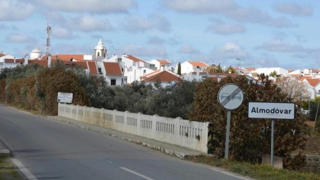 BE defende requalificação de espaços em Almodôvar