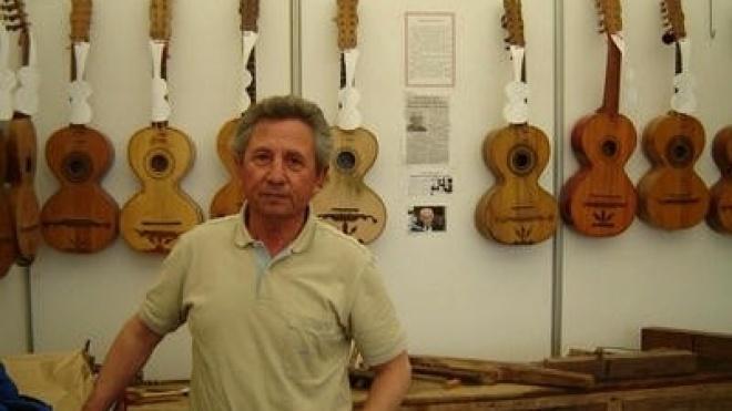 Exposição de instrumentos de corda em Odemira