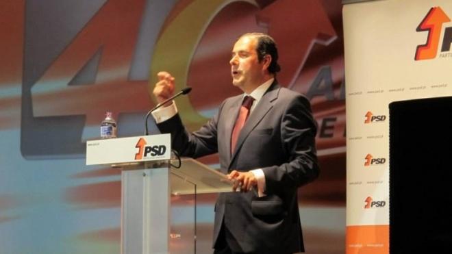 Mário Simões fala a deputados do PSD sobre o distrito