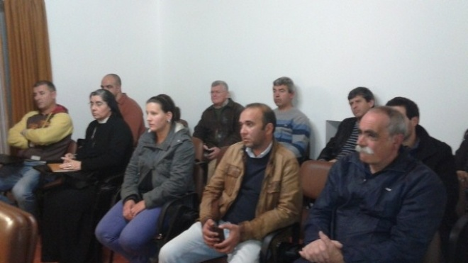 Junta de Freguesia entrega dinheiro e apoio logístico a 24 coletividades