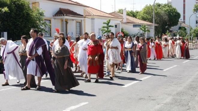 Desfile inaugural da Beja Romana com cerca de 1000 participantes