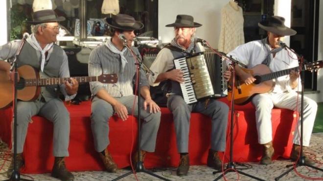 """""""Os Alentejanos"""" com espectáculo no Largo de São João"""