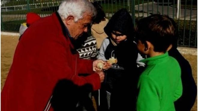 """""""Jogar ao pião"""" na Santiago Maior de Beja"""