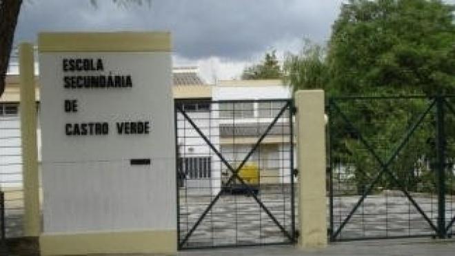 Estudantes de Castro manifestam-se em defesa da Escola Secundária