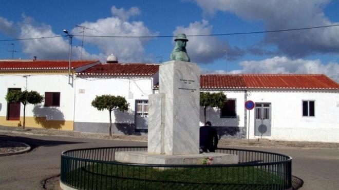 Catarina Eufémia homenageada pelo BE