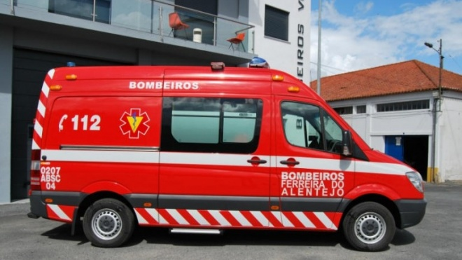 Bombeiros de Ferreira do Alentejo têm ambulância nova