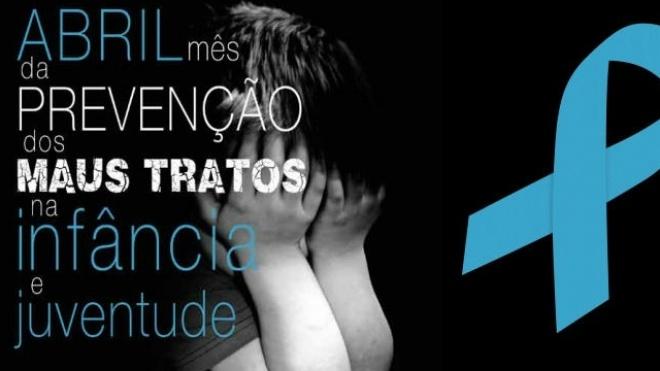 Laço Azul contra os maus tratos na infância
