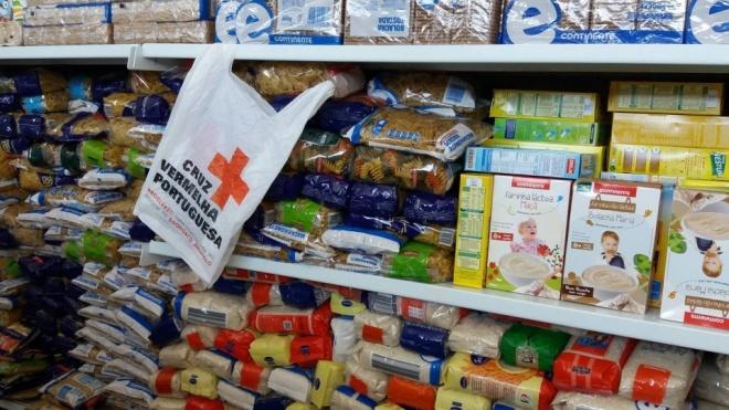 Recolha de alimentos da Cruz Vermelha Portuguesa