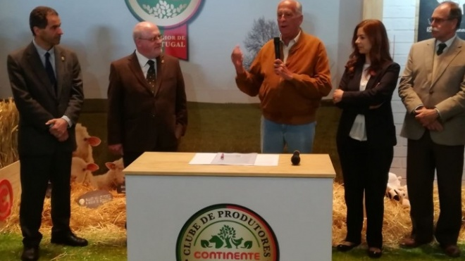 Fileira dos cereais firma contrato de fornecimento inédito