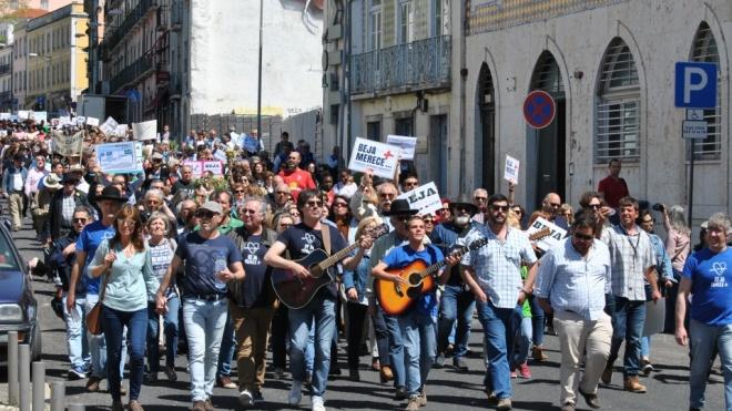 Beja Merece+ entrega petição com mais de 26.000 assinaturas