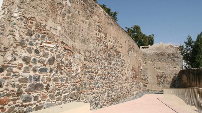 Concluída obra no troço da muralha do Clube Bejense