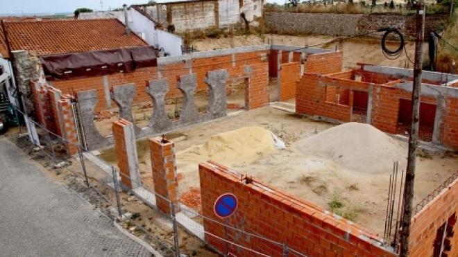 Obras de construção do Centro Interpretativo do Vinho de Talha vão recomeçar