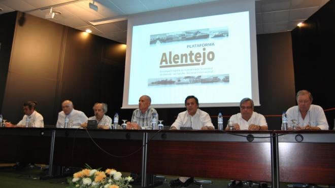 """1ª sessão da Plataforma Alentejo com balanço """"positivo"""""""