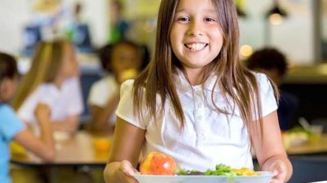 Ourique desafia pais a experimentarem as refeições escolares