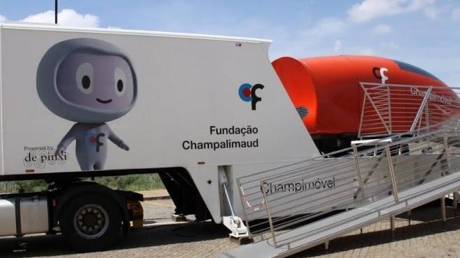 """Champimóvel """"estacionado"""" em Beja"""