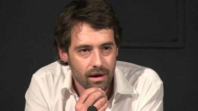 """Pedro Lamares apresenta """"Entre Nós e as Palavras"""" no Pax Julia"""