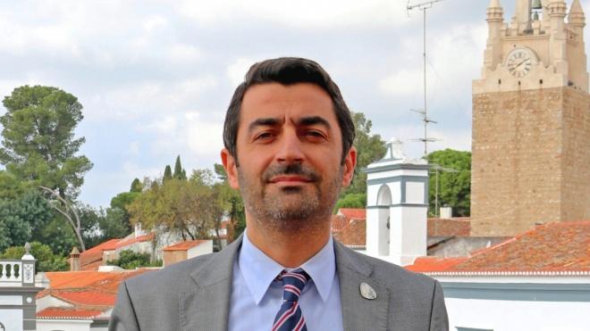 """COVID-19: """"O mais importante é cumprir as orientações da DGS"""", diz Tomé Pires"""