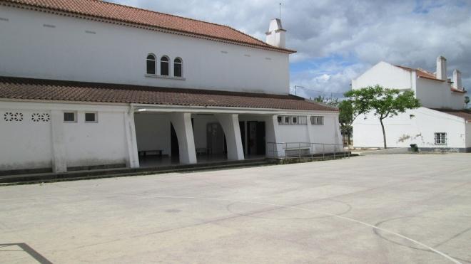 120 voluntários do Programa Abem recuperam escola de Moura