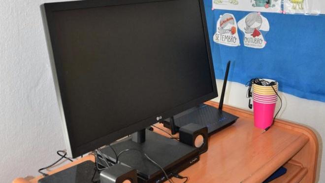 Ferreira do Alentejo entrega computadores a escolas do concelho