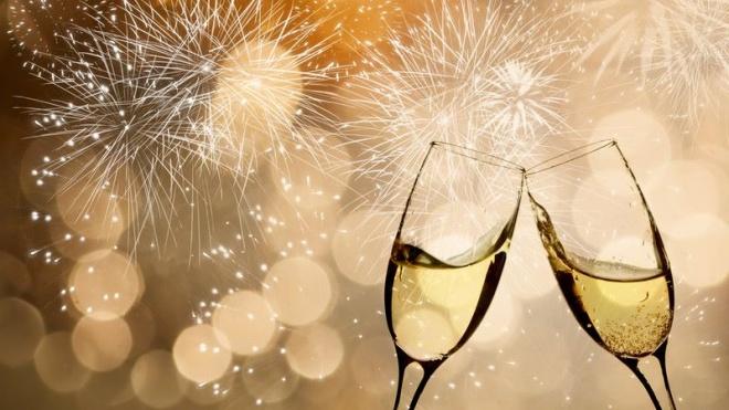 Noite de passagem de ano com várias tradições