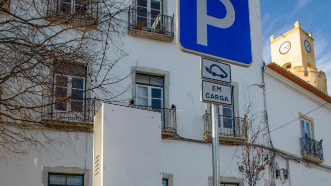 Moura: novo posto de carregamento de veículos eléctricos