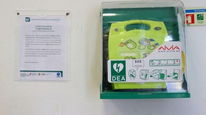 Beja: Instalação de Desfibrilhador Automático Externo na Piscina Coberta