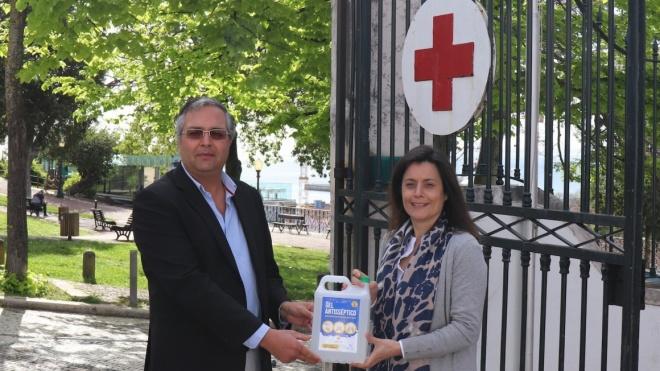 ACVCA distribui gel desinfetante à Cruz Vermelha Portuguesa