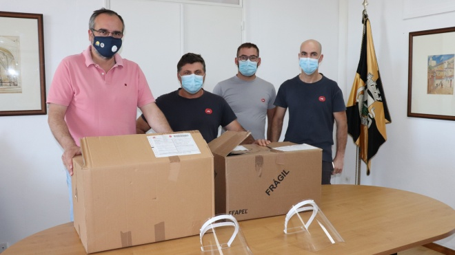 EDP entregou 50 viseiras ao Município de Moura