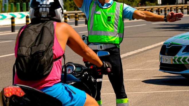 GNR atenta a comportamentos de risco na condução de motociclos e ciclomotores