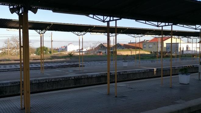 """Estação de comboios de Beja: IP está a substituir carris """"em fim de linha"""""""