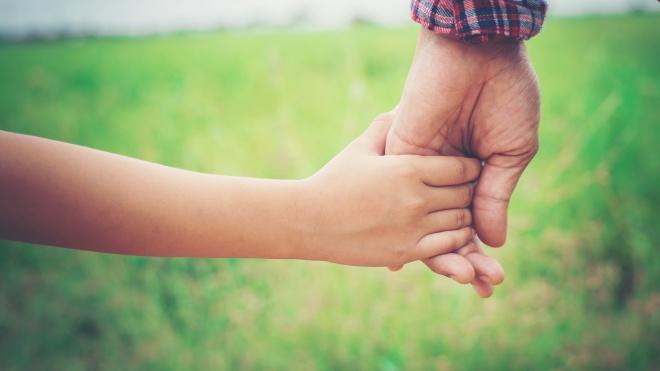 Apoio aos pais de menores de 12 anos não é cumulável com outras ajudas da Covid-19