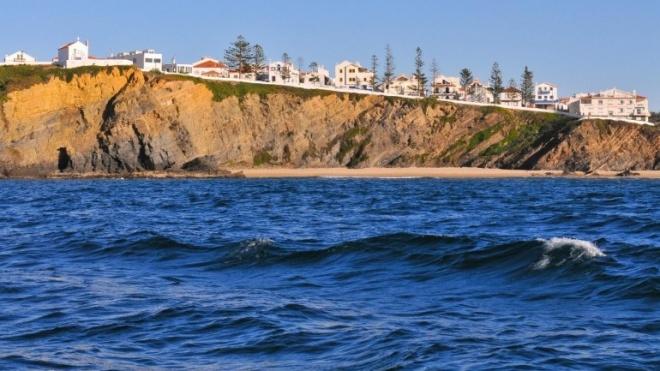 Santa Clara-a-Velha e Zambujeira do Mar pré-finalistas das aldeias maravilhas de Portugal