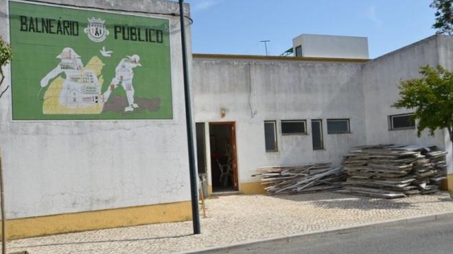 Balneários Públicos de Ferreira do Alentejo transformados em Centro de Emergência Social