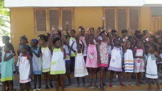 Meninas de Cabo Verde receberam vestidos feitos em Beja