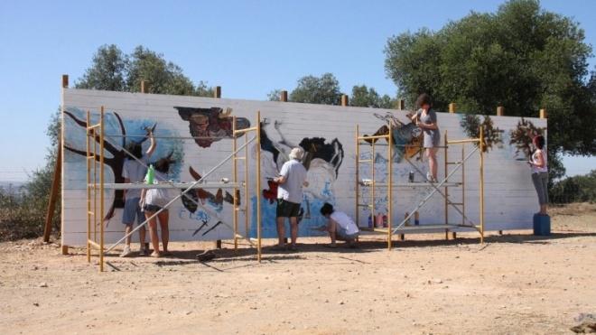Belas Artes do Porto pinta painel em Castro Verde
