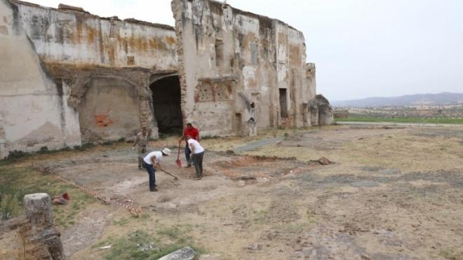 Escavações arqueológicas retomadas no Castelo de Moura