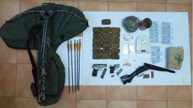 Apreensão de 3 armas de fogo e mais de 3800 doses de droga em Odemira