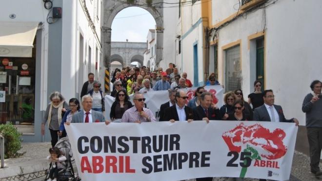 Desfile da Liberdade marca comemorações em Beja