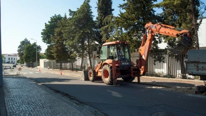 Câmara de Moura avança com obras