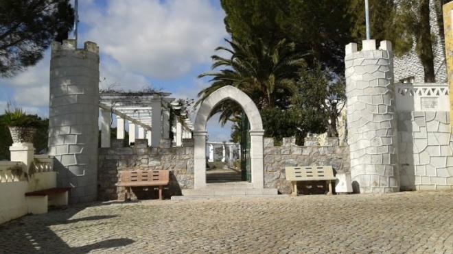 Investigações arqueológicas no castelo de Ourique