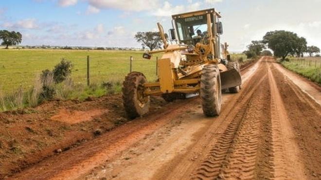 Beja repara caminhos rurais